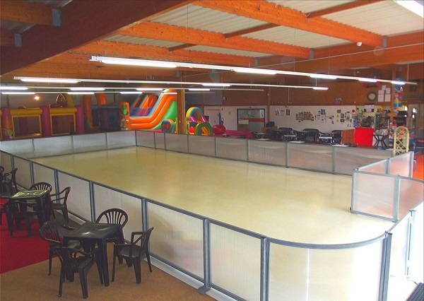 Defoul'Parc. Il dispose d'une patinoire synthétique de 180 m² !